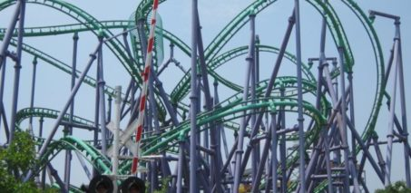 24 People Stuck on Six Flags Ride and Rescued