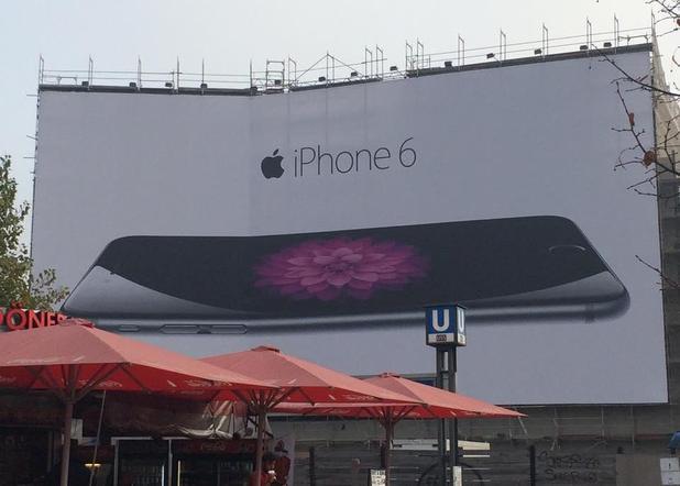 Bent Iphone 6 Billboard