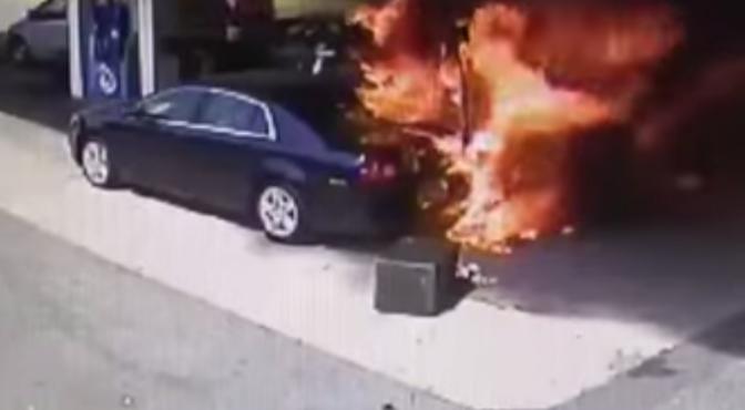 Car Crashes into Gas Pump - Crash Rescue by Off Duty Cop