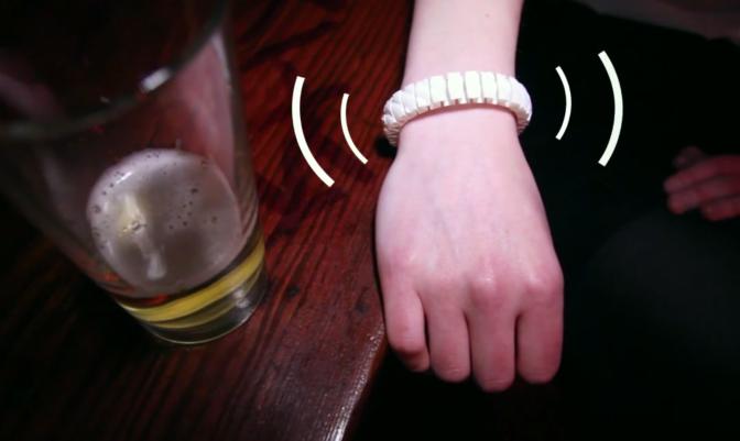 Smart Bracelet Knows How Drunk You Are, Alerts Friends