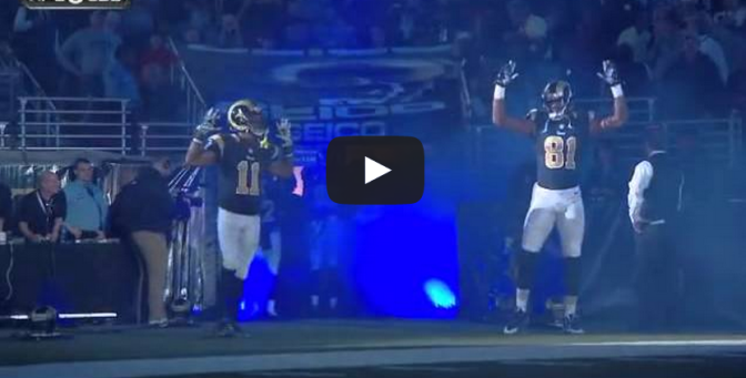 """St Louis Rams Players Do """"Hands UP Don't Shoot"""""""