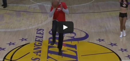 Vlade Divac nails half-court shot to win $90,000 for charity