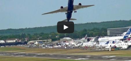 Boeing 787-9 Dreamliner Vertical Climb Take-off.