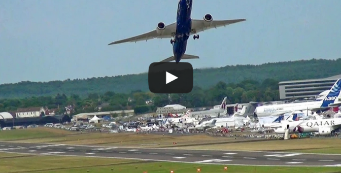 Boeing 787-9 Dreamliner Vertical Climb Take-off
