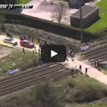 Train interferes with Paris – Roubaix 2015 HD