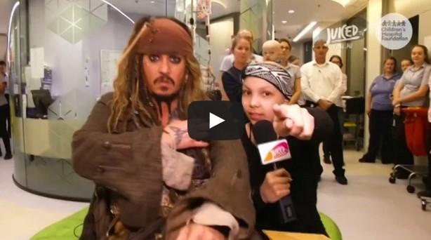 Johnny Depp surprises sick children in Australian hospital