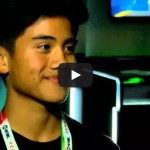 Kid goes crazy after winning an Xbox One at Comic-Con