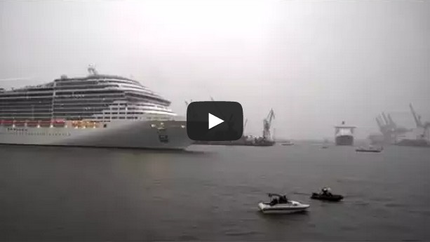 Cruise Ship playing The White Stripes - Seven Nation Army