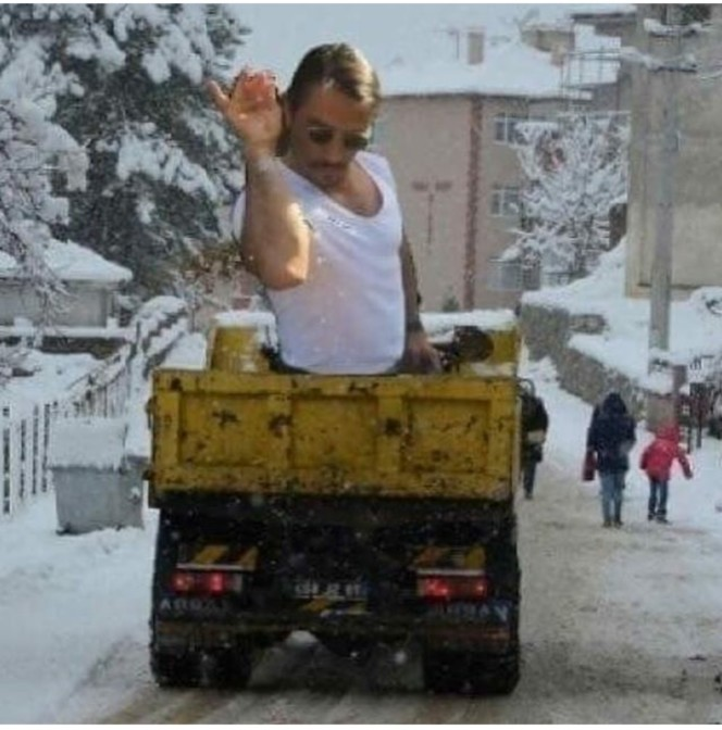 salt guy road salting 36 salt guy saltbae memes turkish salt bae sprinkling salt on