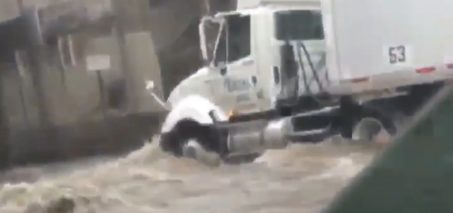 10 #LARain Tweets – Videos of Storm Flooding in Los Angeles